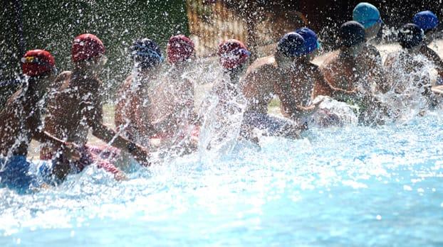 Pasar un d a en piscinas p blicas con los ni os en sevilla for Piscina publica zaragoza