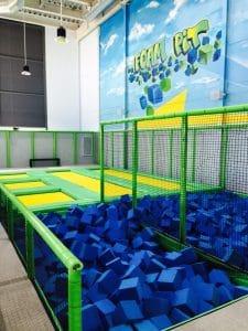 Piscina de gomaespuema donde realizar increibles batallas de saltos, tanto para pequeño y mayores