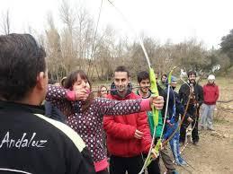 tiro con arco en campamento