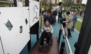 zonas de juegos infantiles para todos los niños con cualquier tipo de necesitodas, para discapacitados.