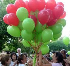 suelta de globos como final de la jornada de puertas abiertas.