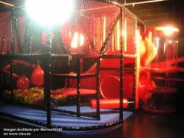 ocio infantil y diversión en el parque de bolas de Láser Space