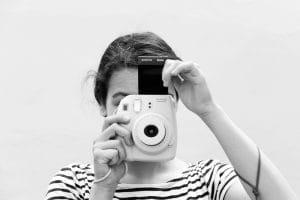 enfocar, componer una imagen, acercar al mundo que les rodea a través del curso y seminario de fotografía.