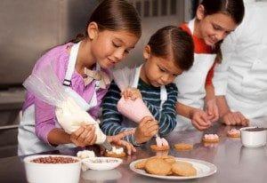 aprender pastelería y postres en familia y con otros niños