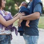 Taller de porteo y curso de masaje para bebés en Navarra.