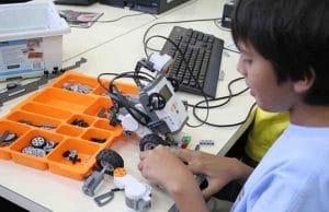 Taller para niños dónde jugar y aprender todo lo relacionado con robots a través de Lego