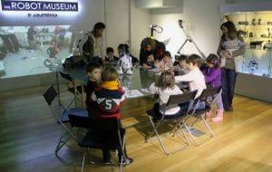 Taller donde niños de diferentes edades podrán jugar y disfrutar durante la creación de robots con la fundación Lego