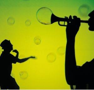 burbujas, color, música, bailes, todo un espectáculo de sensaciones