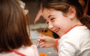 los niños y jóvenes aprenderán diferentes técnicas artísticas en el taller de semana santa y semana blanca