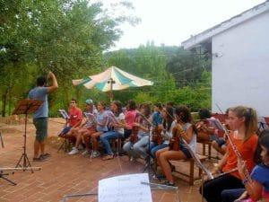 campamento musical dónde se mezclan música y naturaleza, dos grandes pasiones de los peques