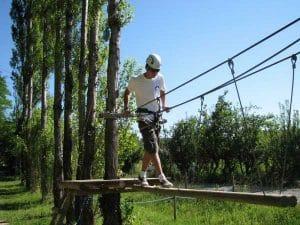 en summer campl de inglés y aventura se realizan actividades al aire libre y de multiaventura