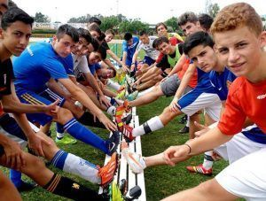 campamento de verano orientado y dirigido para los apasionados del fútbol
