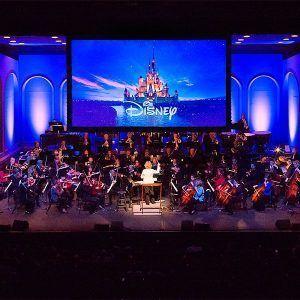 Disney en concierto nos trae las grandes canciones de las películas y a la vez proyectan imágenes
