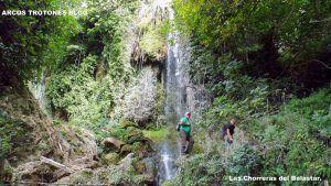rutas en plena naturales y cascadas naturales