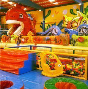 grandes zonas de juego y diversión en Planeta Màgic Almansa