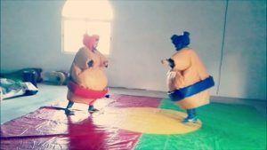 En Eurofiestas divertirse en Humor amarillo infantil con lucha de sumo