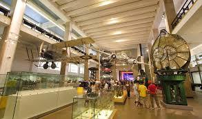 descubrir de dónde venimos, a dónde vamos, que nos rodea, el universo y mucho más en este museo