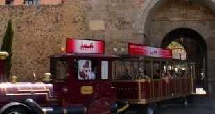 zocotren, tren que visita las calles y zonas más turísticas de la ciudad