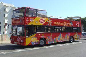viajar por Lisboa en autobús pudiendo subirse y bajarnos sin perder ningún punto de la ciudad