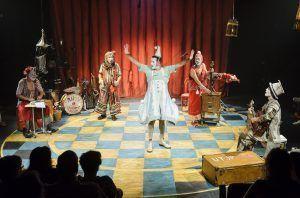 un espectáculo de payasos lleno de diversión, magia, y muchas risas, un homenaje a un artista de este género