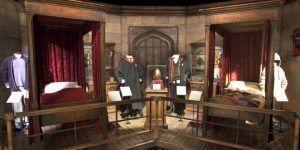 disfrutar de los escenarios y vestuario de Hogwarts