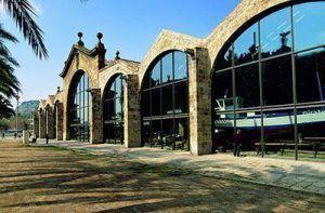 Museo que además de albergar una exposición marítima poder disfrutar de la exposición de Juegos de Tronos