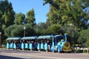 disfrutar de la visita tanto a pie como en mini tren, visita el zoobotánico de manera divertida