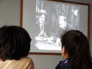visionado de películas clásicas del actor elegido y la directora de cine