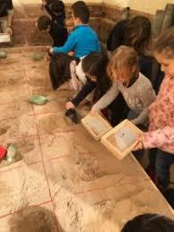 cursos y talleres infantiles de pequeologos y dibujo de tutanjamón