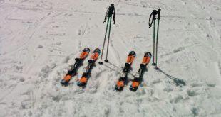 Ski en familia durante el campamento de Semana Blanca en Sierra Nevada