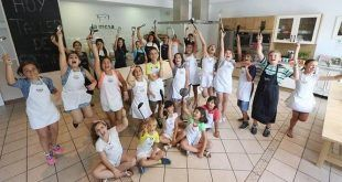 diversión y aprender a cocinar durante el campamento de cocina infantil en La Mesa