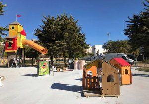 instalaciones infantiles inspiradas en las casitas de los 3 cerditos
