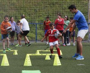 campamento infantil en Barcelona, actividades deportivas y lúdicas