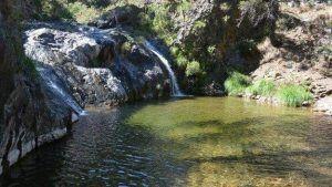 ríos, pozas y charcos naturales