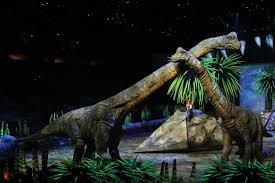 espectáculo en vivo y en directo sobre el día y día de distintos dinosaurios