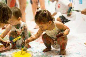 taller infantil¿ Pintamos la música?, taller dónde pintar y transmitir emociones a través de la pintura con música.
