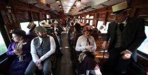 disfrutar en familia de un recorrido en un tren histórico