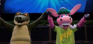 Cantajuego y sus amigos Coco, Pepe y Buby cantando y bailando canciones de siempre