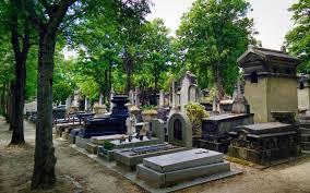 Noche terrorífica en Halloween en la visita al Cementerio Inglés