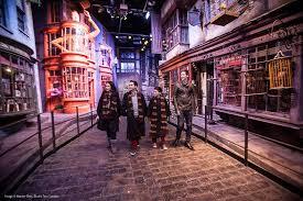 calle dónde los magos adquieren sus artículos antes de ir a la escuela