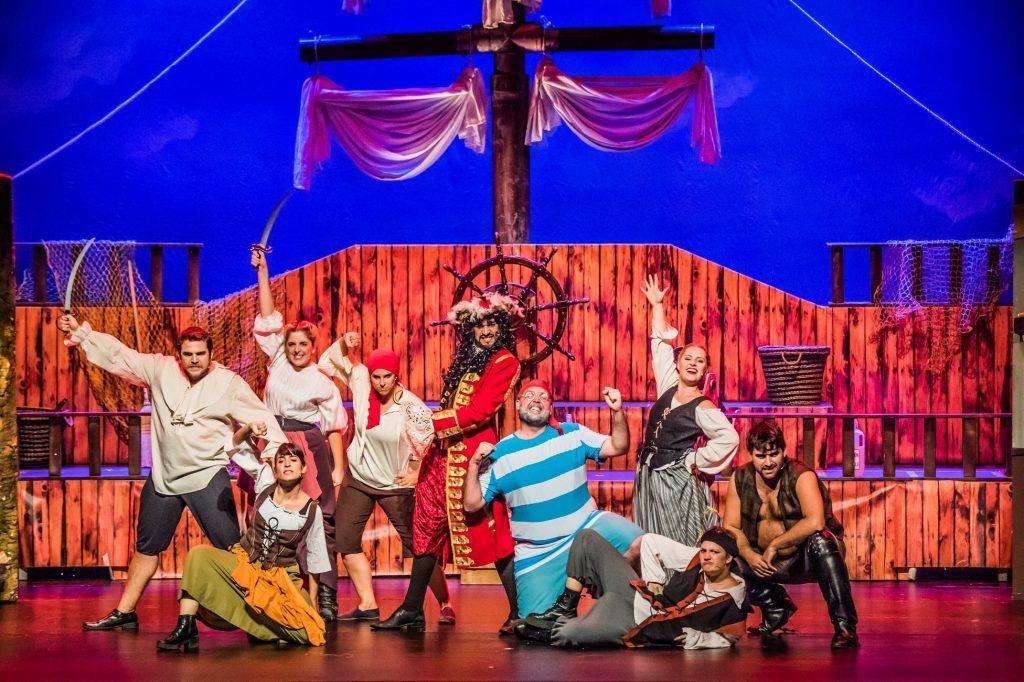 un musical inspirado en una obra clásica, dónde disfrutar y divertirse con las aventuras de Peter Pan.