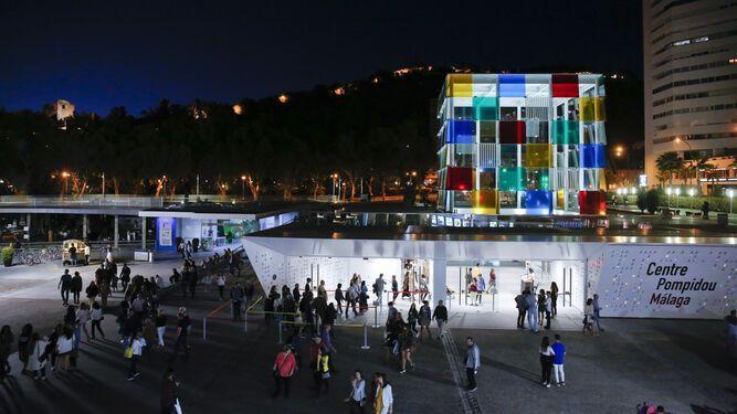 durante La Noche en Blanco podremos disfrutar además de diferentes actividades culturales al aire libre, de la apertura de los diferentes museos de la ciudad
