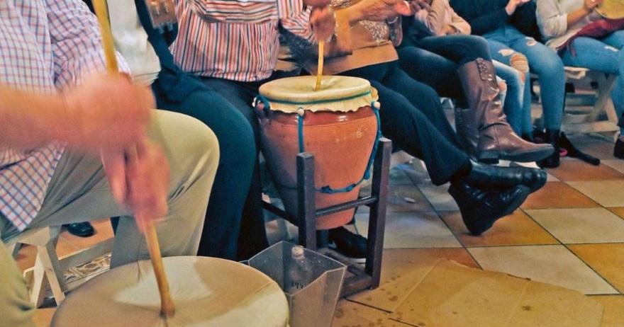 zambombá flamenca, una de las actividades navideñas más tradicionales