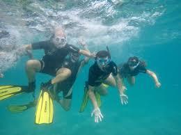posibilidad de disfrutar del buceo o snorkel durante la ruta en kayak, la diversión completa