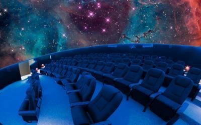 disfrutar y observar los planetas, las estrellas, el universo y más en el Planetario, disfrutar de exposiciones, conferencias, etc