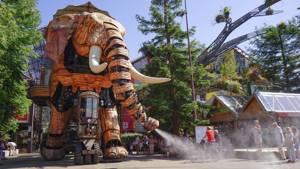 El elefante gigante en la fábrica de Machines, animales inspirados en los modelos de ficción de Julio Verne