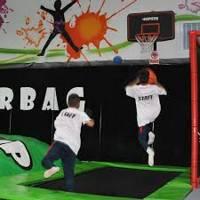 disfrutar de este deporte y de las camas elásticas en el parque de trampolines Super Jump