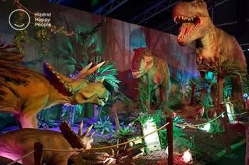 Dino World exposición a escala real de los dinosaurios que habitaron la tierra hace más de 65 millones de años, una gran aventura jurásica